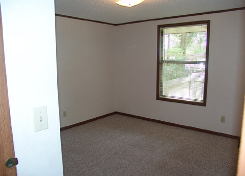 Bentwood Apartments  Bedroom