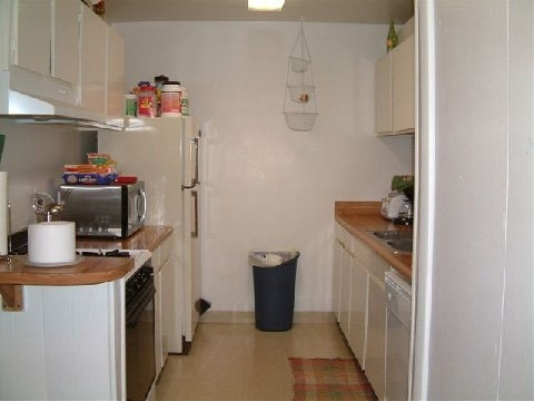 Country Village Apartments Kitchen