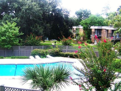 Country Village Apartments  Pool