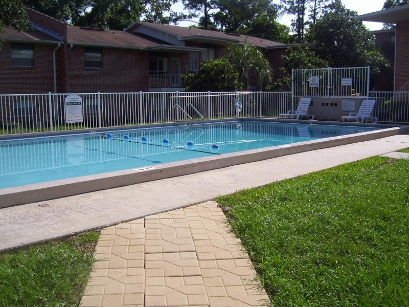 Georgetown Apartments Pool