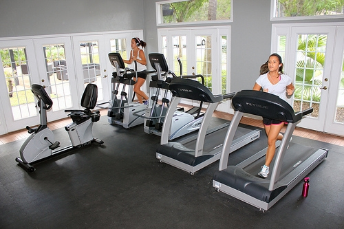Oxford Manor Apartments Cardio room