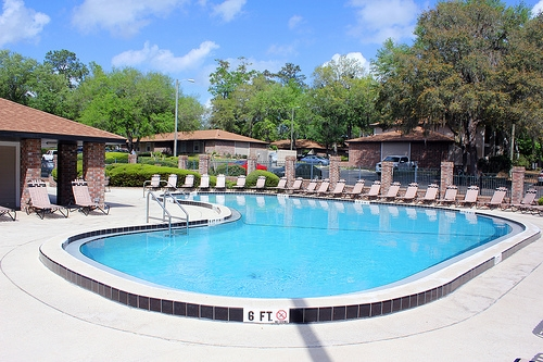 Oxford Manor Apartments Pool