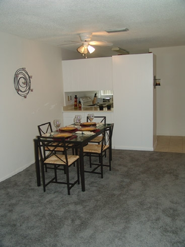 Park 16th Townhouses Dining Area