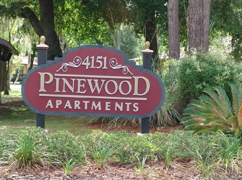 Pinewood Apartments Entrance Sign