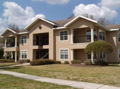The Reserve at Kanapaha Apartments Exterior with Grounds 1