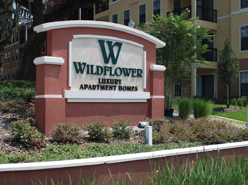 Wildflower Luxury Apartment Homes Entrance Sign