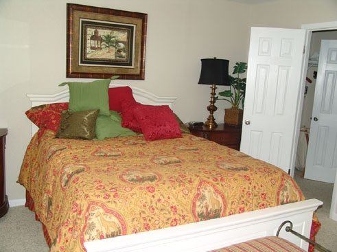 Windmeadows Apartments Bedroom 1